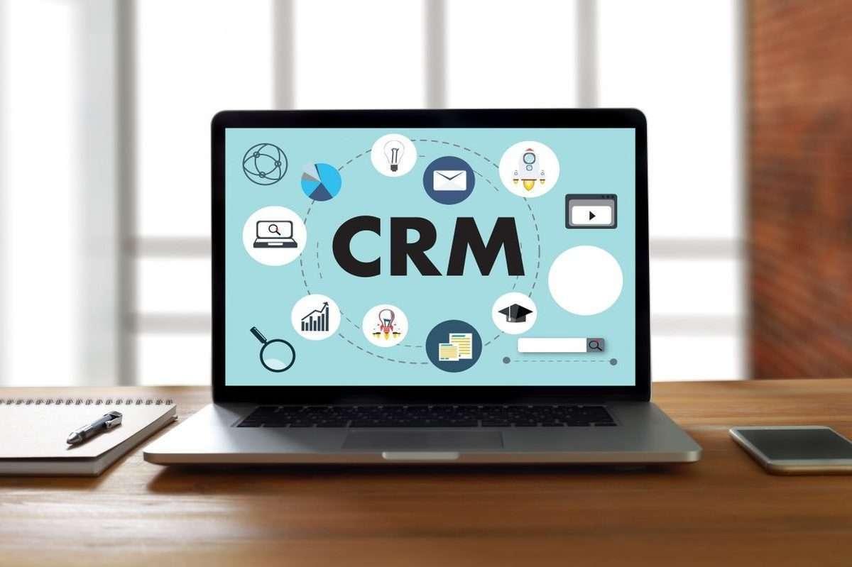 Что такое CRM система