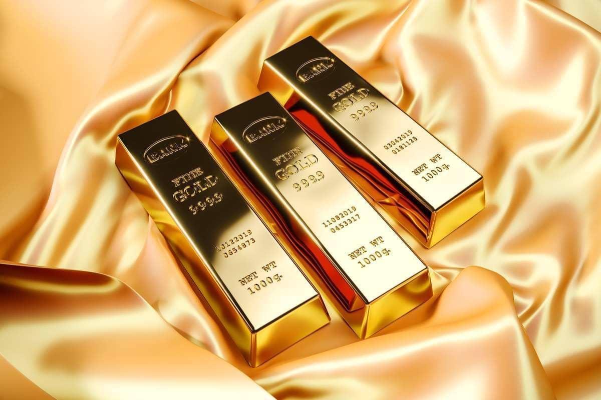 Золото удерживает позиции, несмотря на рост доллара США